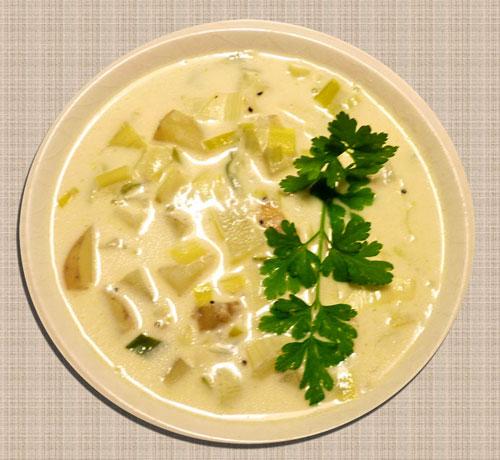 potatis och purjolökssoppa med bitar